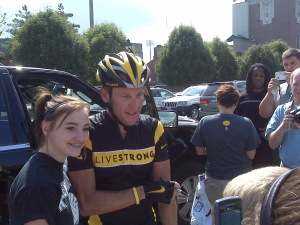 Lance Armstrong signs autographs in Athens, Ohio, on Aug. 29